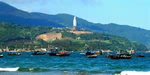 Tham quan bán đảo Sơn Trà bằng cano cao tốc